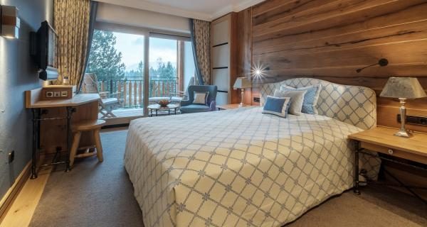 Comfort-Zimmer Queen-Size-Bett