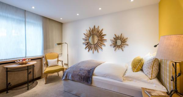 Klassik-Zimmer Französisches Bett